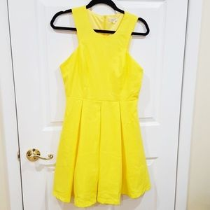 Tea N Cup | Yellow dress